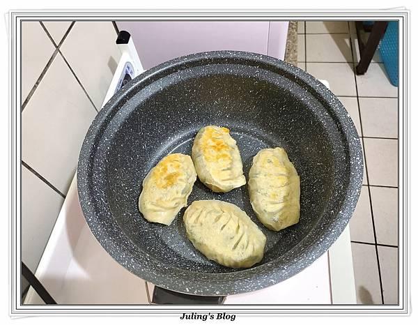 用水餃皮做韭菜盒子做法26.jpg
