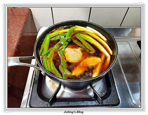滷花生豬腳%26;臘味栗子五穀米飯做法6.jpg