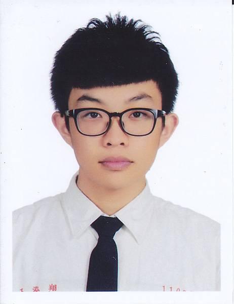 內壢高中 王泓翔
