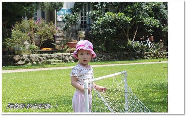 IMG_0035可以玩踢球射籃.JPG