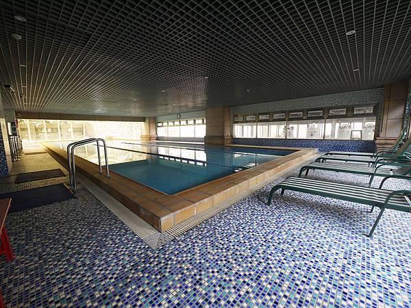 1F泳池 (2).JPG