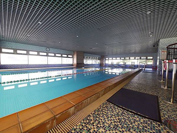 1F泳池.JPG