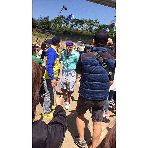 RM150505filming
