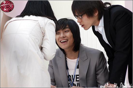 16042006仁川簽名會 01.jpg