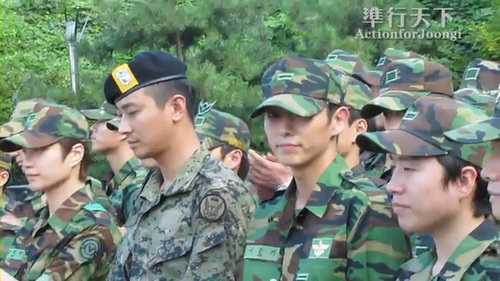 100909Lee_JoonGi_Talking_in_Memorial_Park_Sailing_for_Life.flv_000040000.jpg