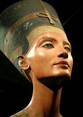Nefertiti1-767389.jpg