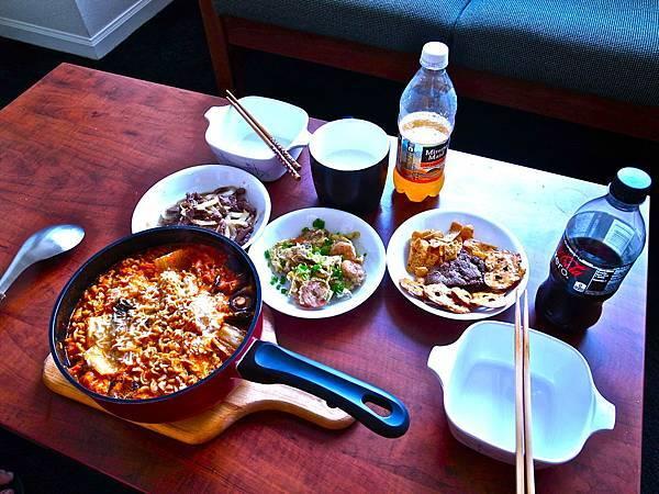 我朋友做飯.JPG