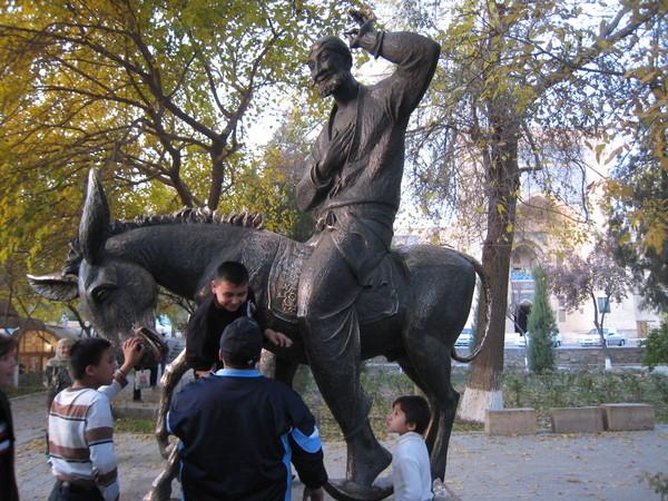 Bukhara (布哈拉) Lyabi Hauz Nasreddin Status