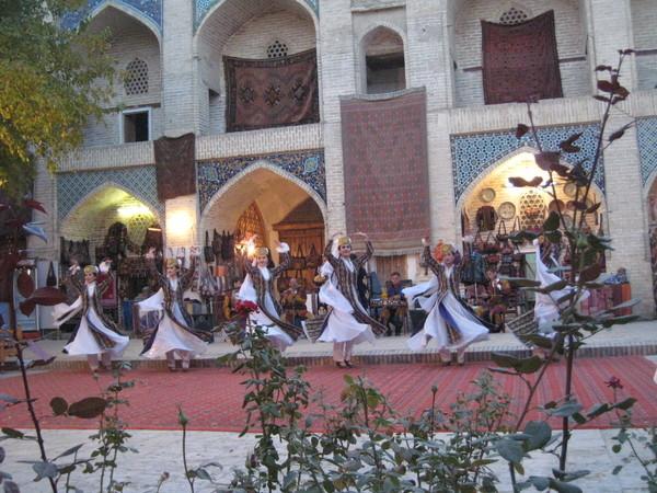 Uzbek folkdance 1