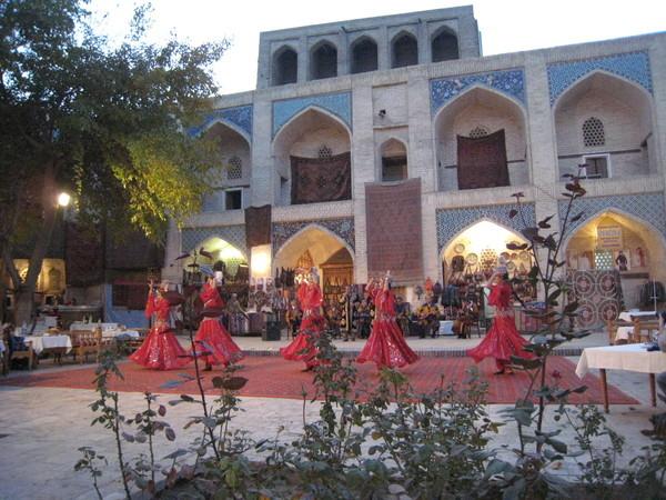 Uzbek folkdance 2