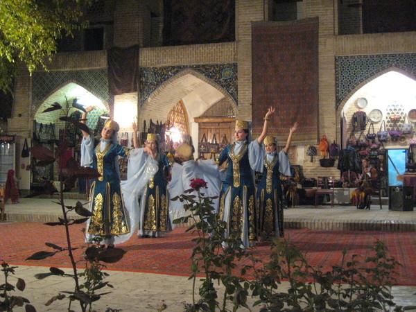 Uzbek folkdance 3