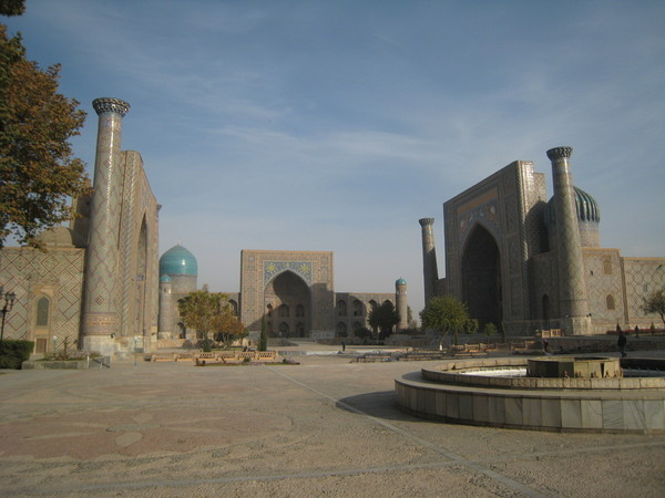 Samarkand (撒爾馬罕) Overview of Registan Square and ensemble