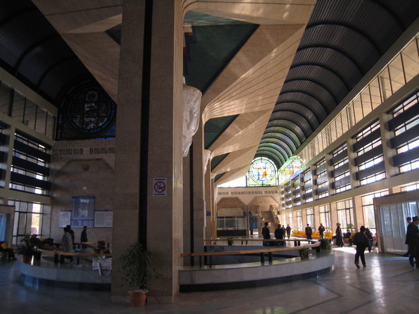 Samarkand (撒爾馬罕) Train station grand hall 火車站大廳