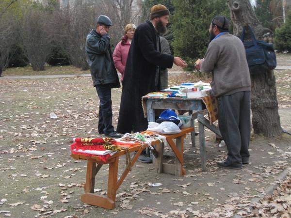 Krygzstan Karakol Dungan Mosque a temporary market