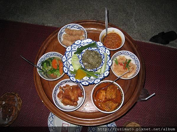 Khantoke dishes
