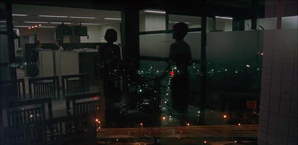 一一 玻璃與夜景.png