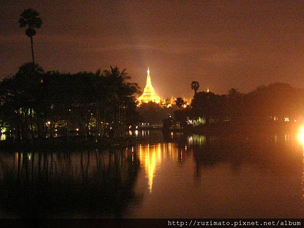2006 in Yangon Shwedagon Pagoda view from outside