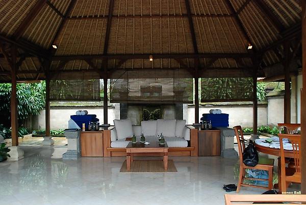 Bali Ubud Puri Wulandari Bale Belong in villa