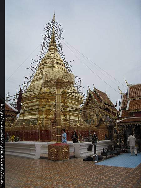 Wat Phra That Doi Suthep Golden Pagoda