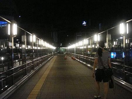 0707296-很亮的天橋