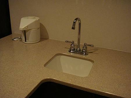 0708170-房內吧台就有洗手台
