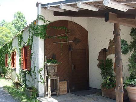 0709107-路邊漂亮的房子