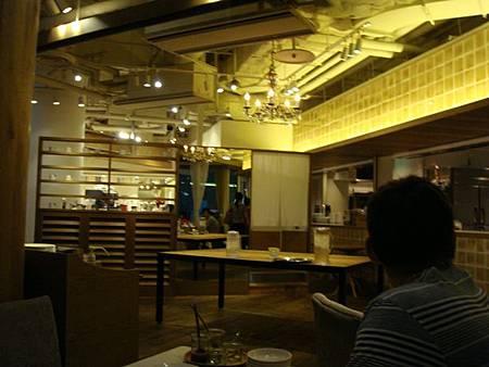 0709244-餐廳內
