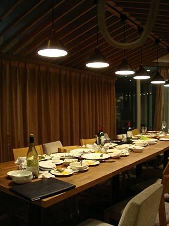 0709303-餐廳內