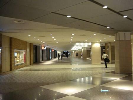0709304-從Queen Square走地下通道回置地廣場大樓