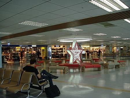 0706006-松山機場內