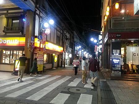 0724396-鶴茶庵在甜甜圈店對面巷子by Y