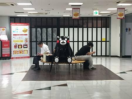 0726015-JR熊本站的kumamon by F