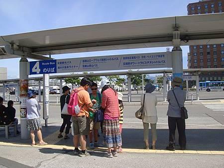 0712018-去函館山的登山巴士在這搭.JPG