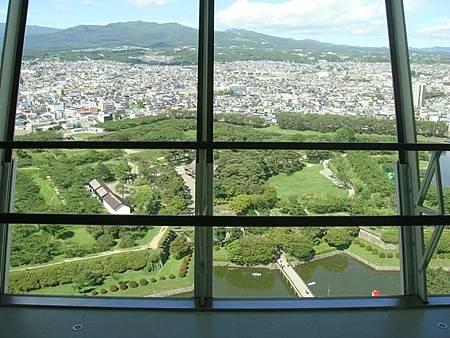 0711227-從五稜郭塔往下看五稜郭公園.JPG