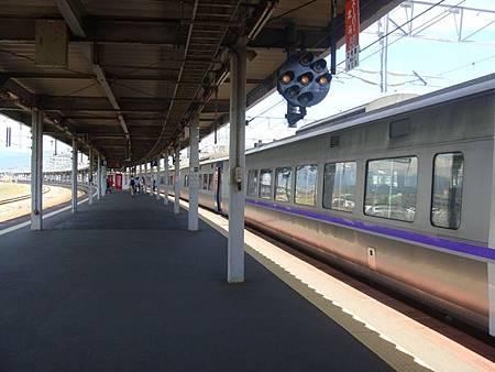 0712084-函館車站的月台.JPG