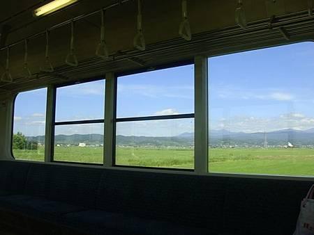 0712153-往弘前的電車上.JPG
