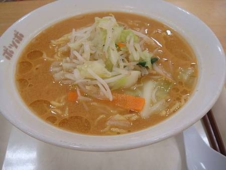 0712212-伊藤洋華堂地下美食街的味增拉麵.JPG