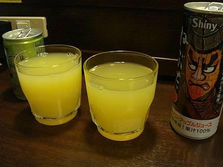 0712264-不同的蘋果汁.JPG