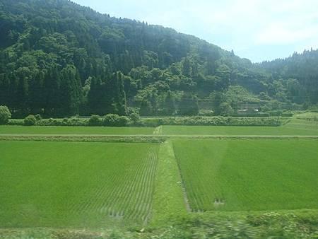 0713033-往秋田的奧羽本線沿線風景.JPG
