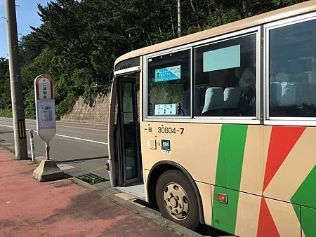 0713278-來回奧十二湖的公車.JPG