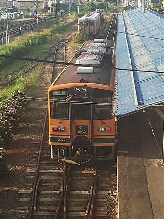 0713358-津輕鐵道的車廂只有一節.JPG