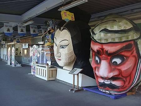 0713363-五所川原站月台上的睡魔燈籠.JPG