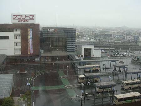 0714011-飯店房間窗景(下大雨).JPG