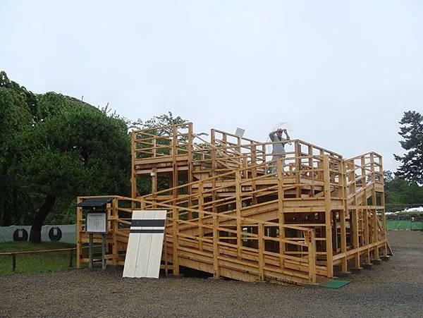 0714096-給人拍天守閣的木製平台.JPG