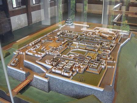0714113-三樓有弘前城復刻模型.JPG