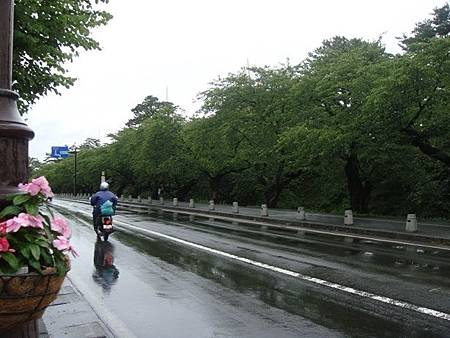 0714211-弘前公園外圍.JPG