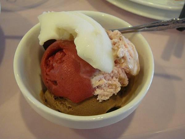 0715008-有冰淇淋ㄟ.JPG