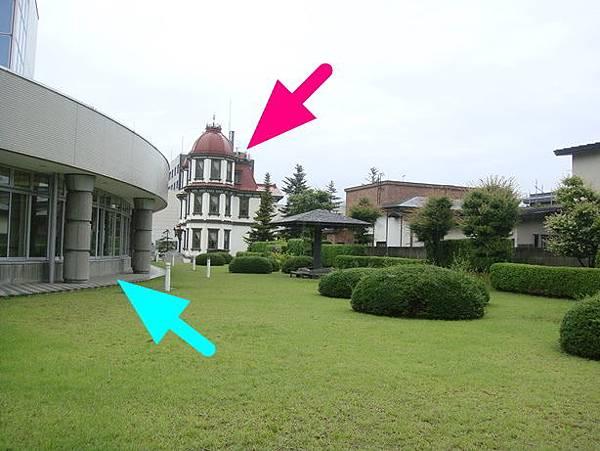 0714237-從現在的弘前圖書館草坪拍舊圖書館.JPG