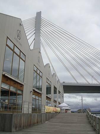 0715054-海灣大橋與A-factory.JPG