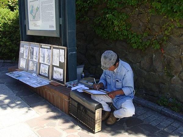 0716104-元町的街頭畫家.JPG